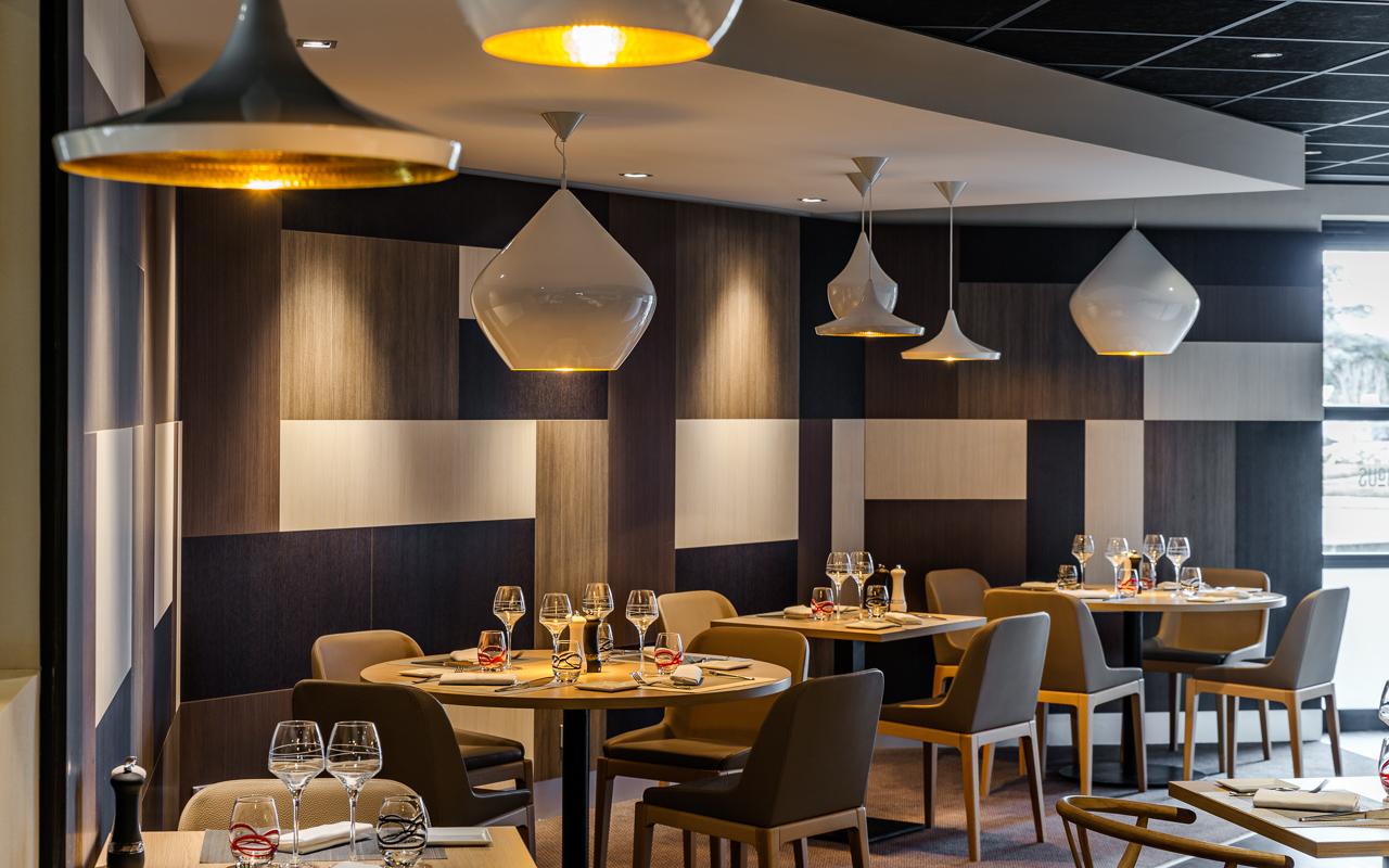 Restaurant toulouse black angus restaurant le black for Comcuisine design toulouse